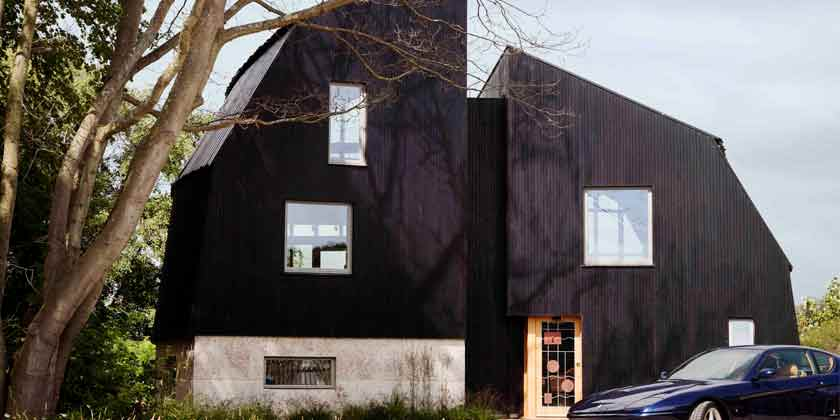 Дом на берегу озера в Британии от Mole Architects | фото