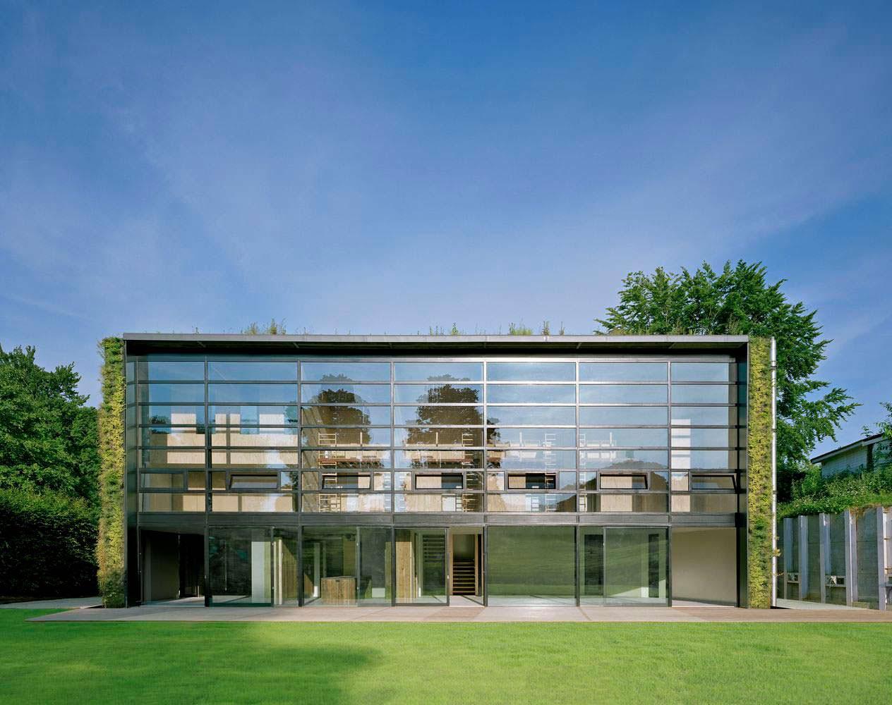 Стеклянный фасад дома в Брюсселе от SAMYN and PARTNERS