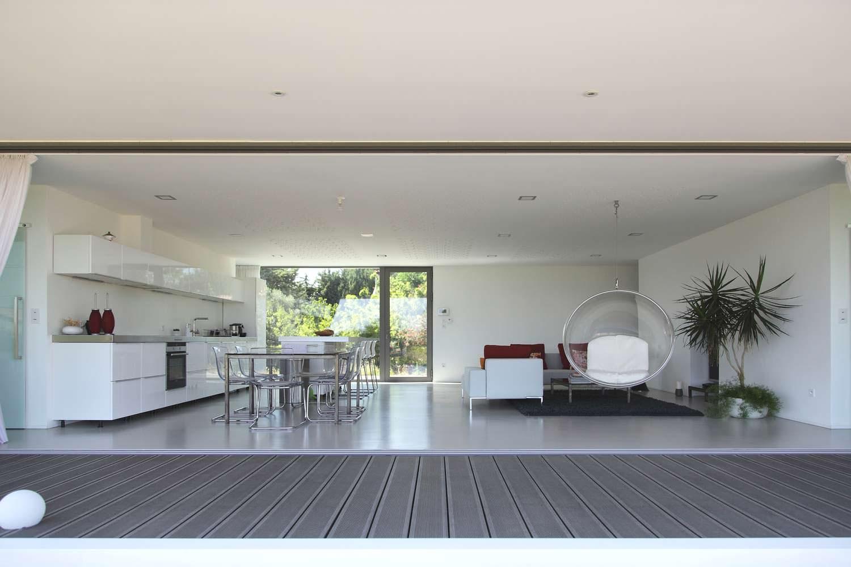 Дизайн кухни/столовой/гостиной в доме от Стефана Николаса