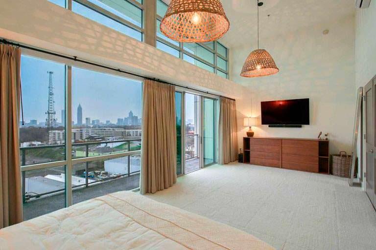Дизайн спальни в квартире актрисы Элисон Ханниган в Атланте