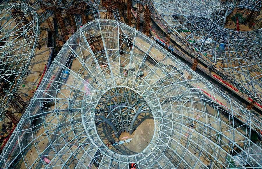 Металлический каркас аэропорта в Пекине от Zaha Hadid