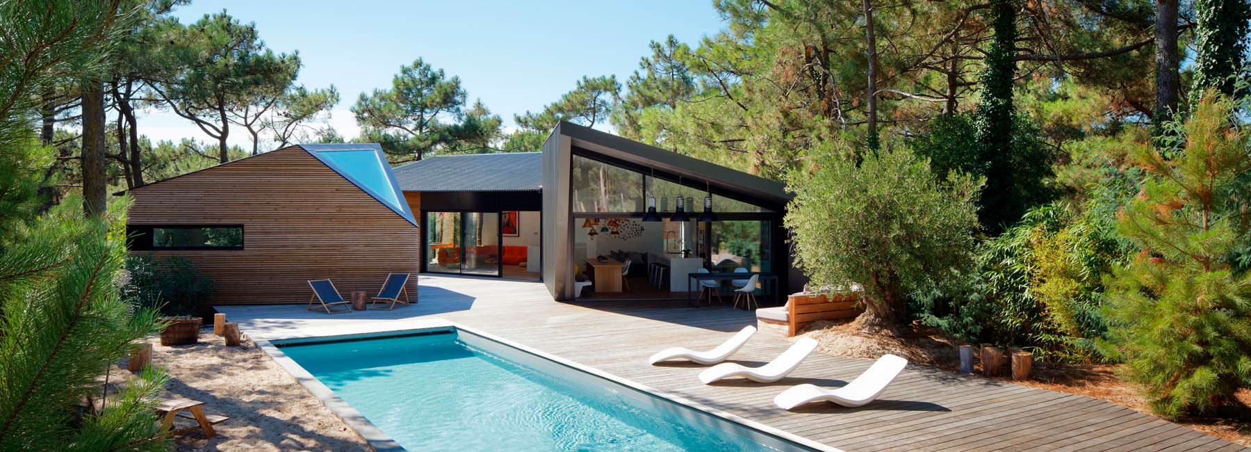 Загородная вилла с бассейном во Франции