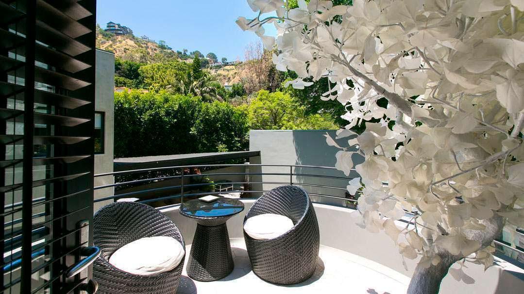 Вид на каньон с балкона дома Адама Ламберта