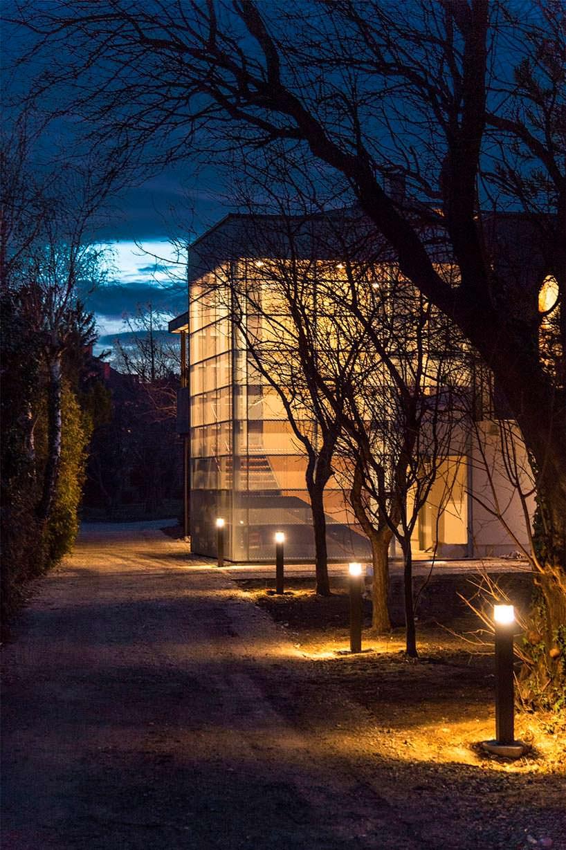 Ландшафтное освещение и подсветка дома