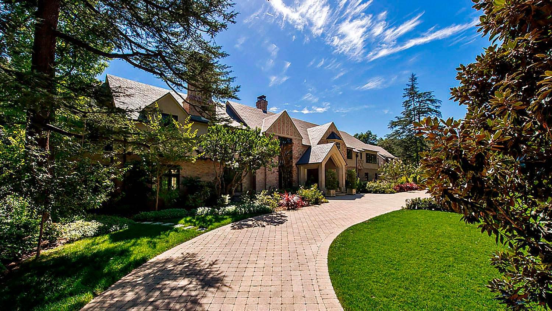 Исторический дом в ирландском стиле в Калифорнии