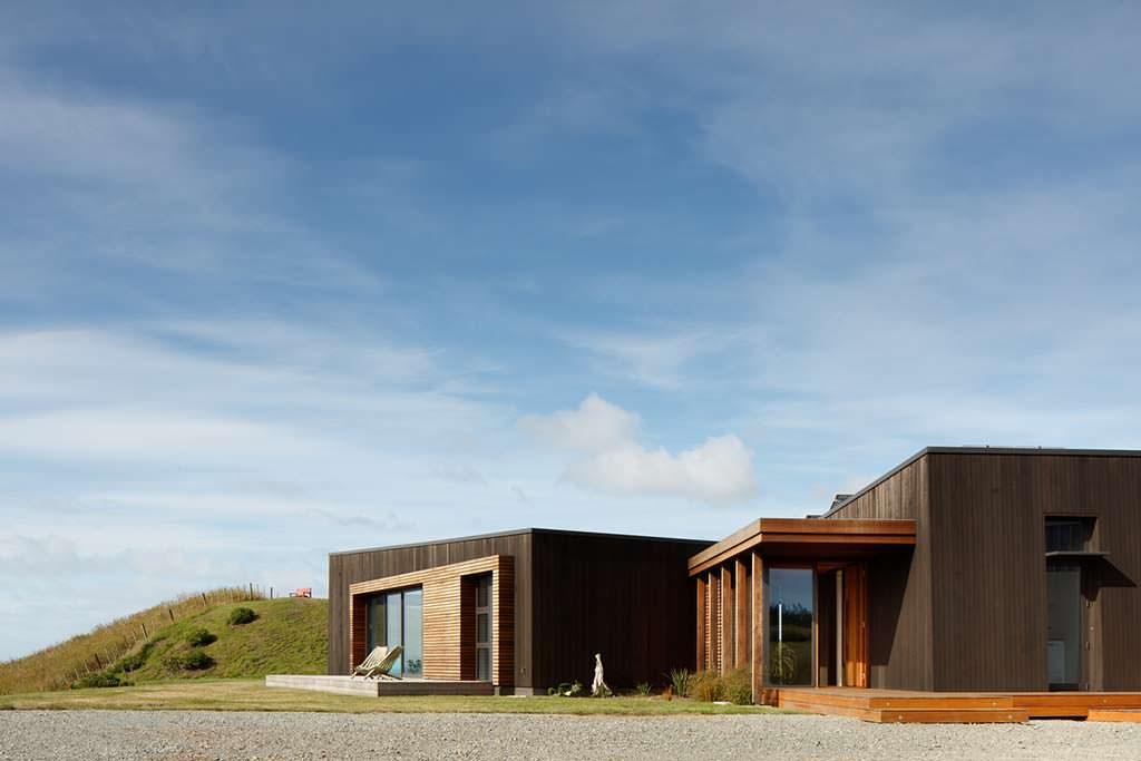 Современный дом на вершине холма в Новой Зеландии