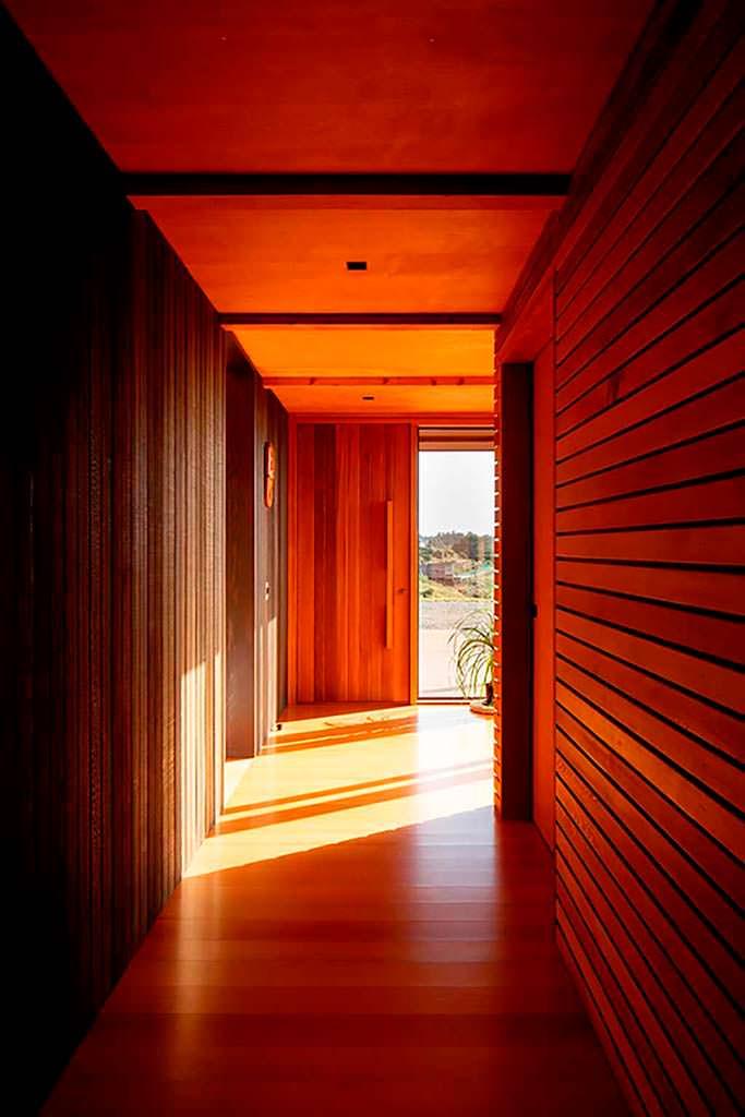 Деревянный интерьер дома в Новой Зеландии