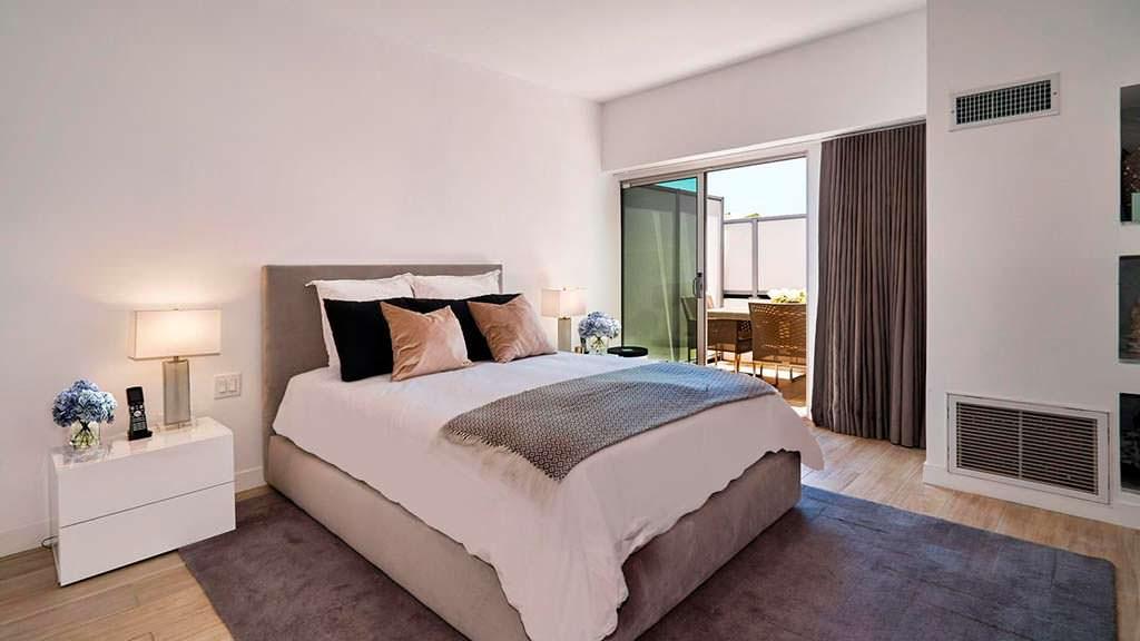 Квартира с одной спальней актрисы Фэй Данауэй