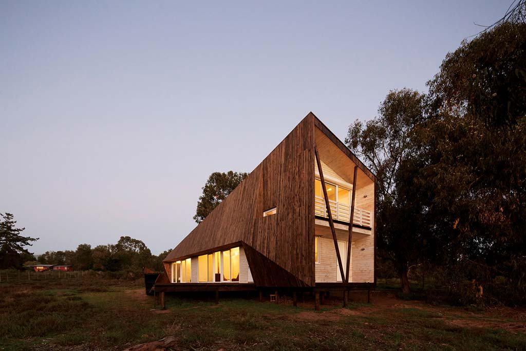 Деревянный пляжный дом. Проект Verónica Arcos