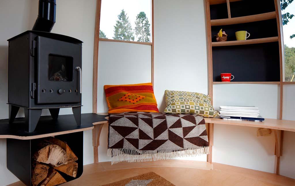 Дизайн интерьера деревянного бунгало Escape Pod