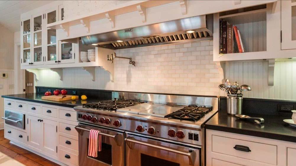 Профессиональная бытовая техника на кухне