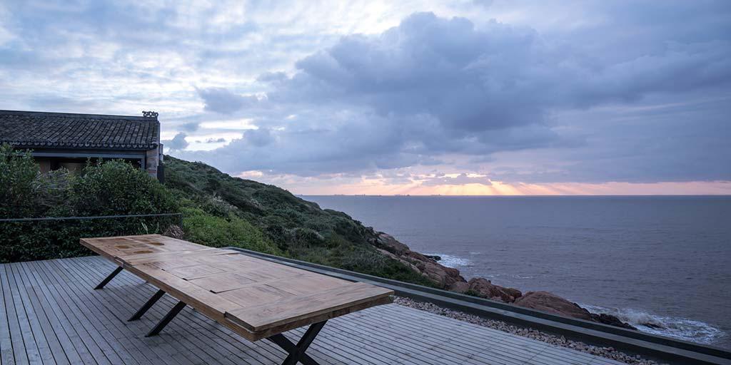 Вид на Восточно-Китайское море с крыши дома
