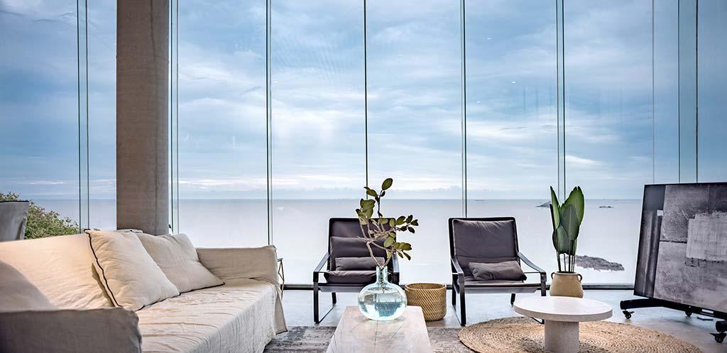 Гостиная в доме с видом на Восточно-Китайское море