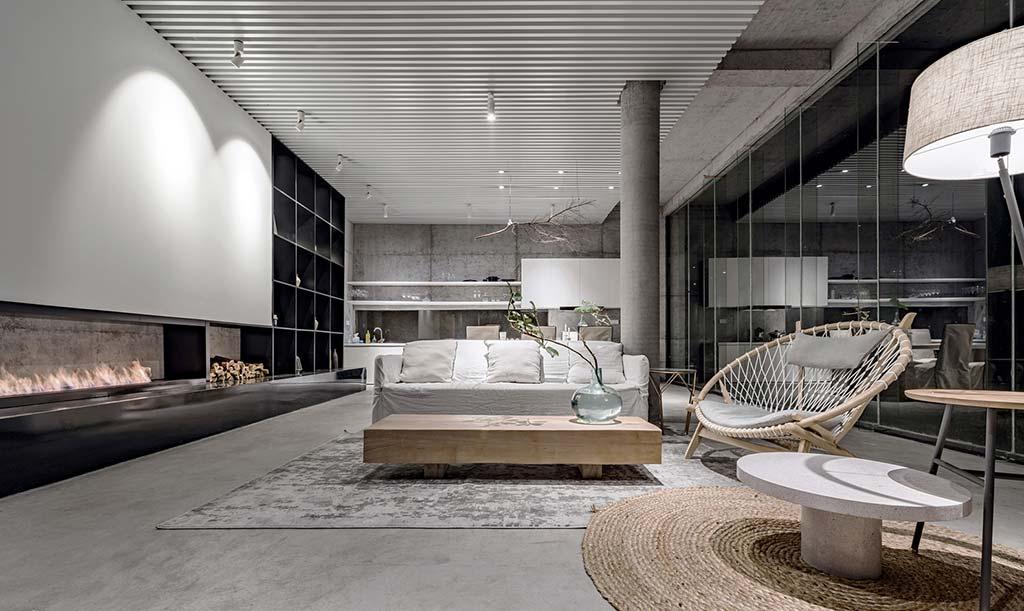 Интерьер бетонного дома от Evolution Studio