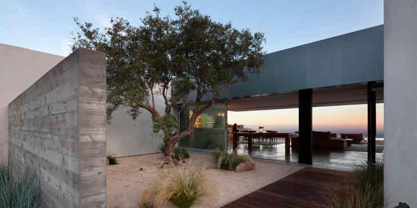 Дом с бассейном и видом на океан от Ehrlich Architects | фото