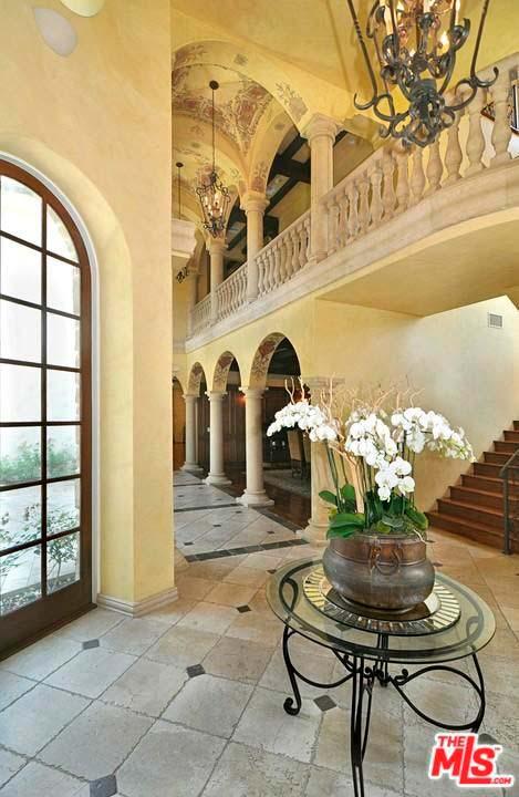 Элитный дом в испанском стиле