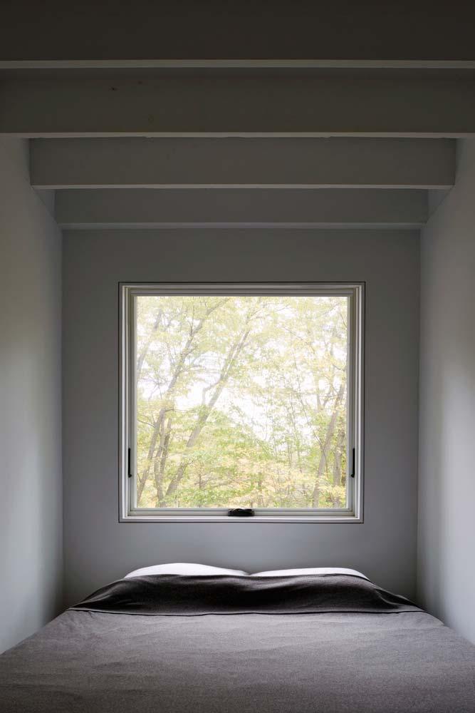 Дизайн гостевой спальни в каменном доме от TAKATINA LLC