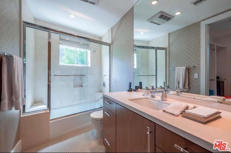 Дизайн ванной комнаты хозяйской спальни