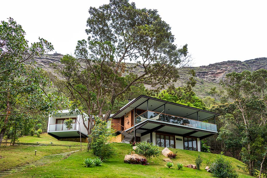 Уединенный дом с видом на долину в Бразилии