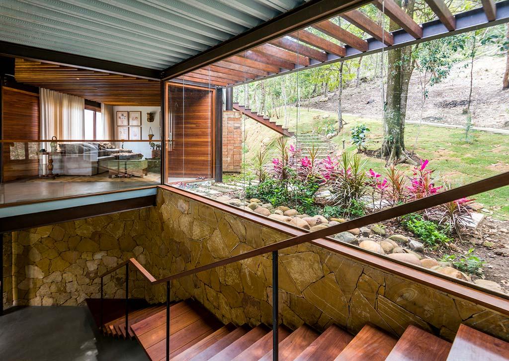 Стеклянные стены в интерьере от G Arquitetura e Urbanismo