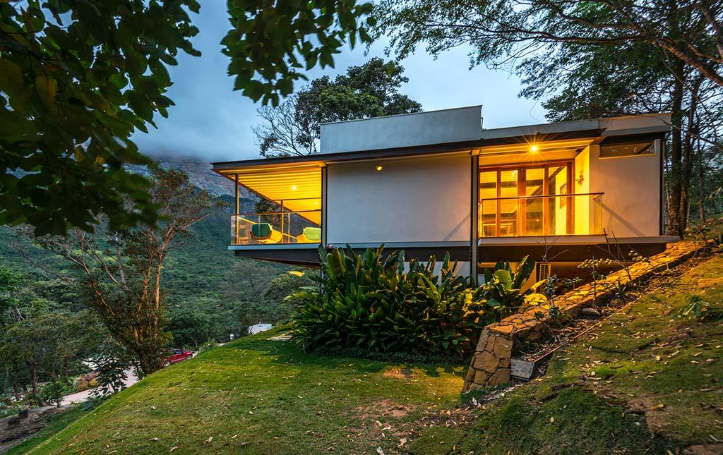 Дом из стали и стекла в Бразилии от G Arquitetura e Urbanismo