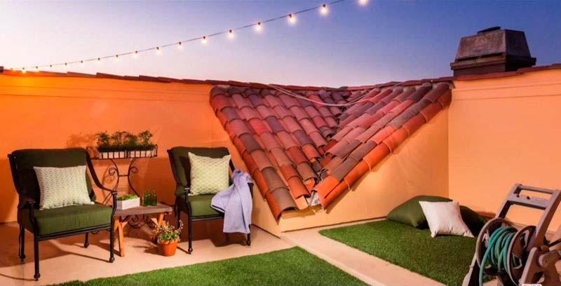 Уютная терраса на крыше дома в Лос-Анджелесе
