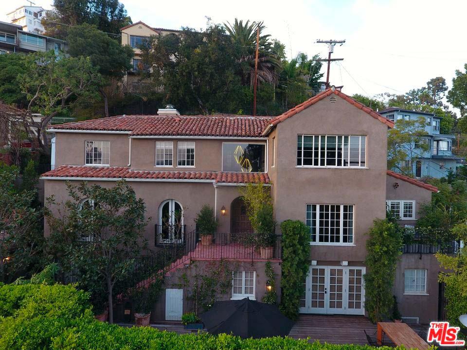 Дом в испанском стиле на Голливудских Холмах