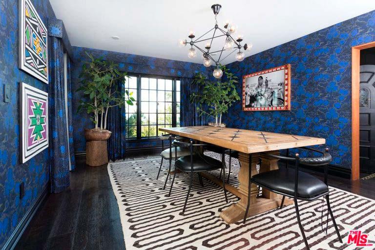 Дизайн столовой в синем цвете