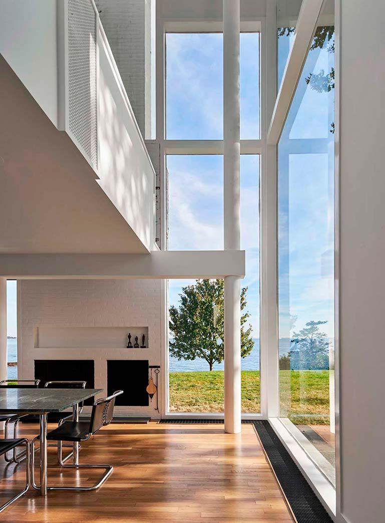 Огромные панорамные окна в дизайне дома