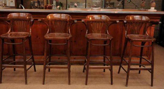 Барные стулья - важный атрибут барной культуры