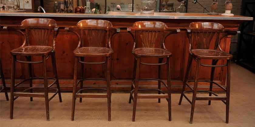 Барные стулья — важный атрибут барной культуры