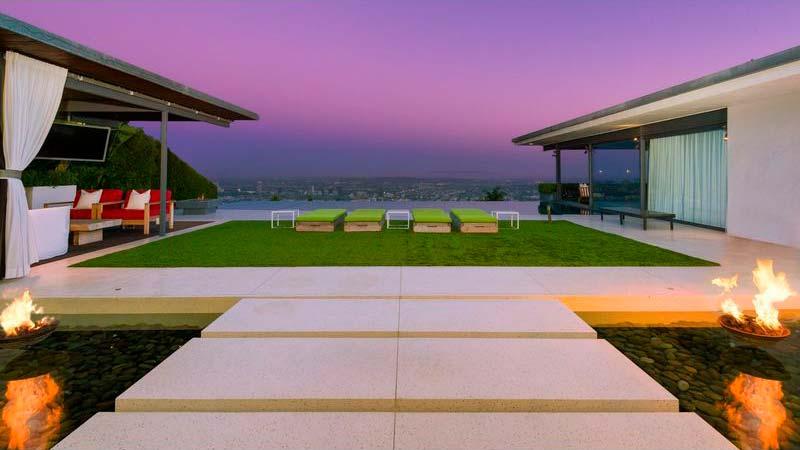 Красивый дом в Лос-Анджелесе