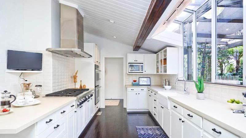 Дизайн кухни в доме Винса Вона
