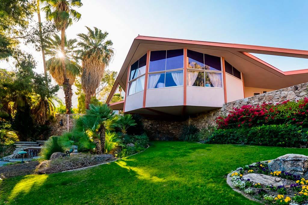 Дом, где провели медовый месяц Элвис и Присцилла Пресли
