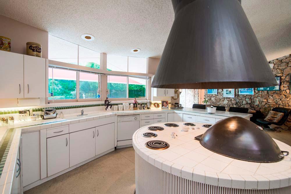 Дизайн кухни в доме Элвиса Пресли
