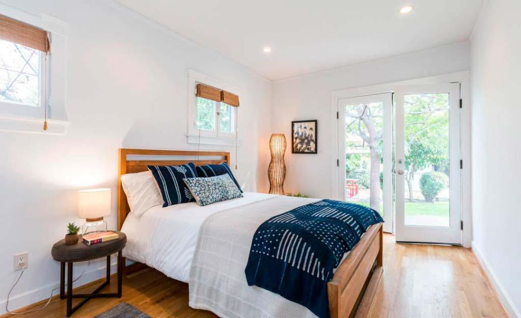 Спальня в доме актрисы Райли Кио