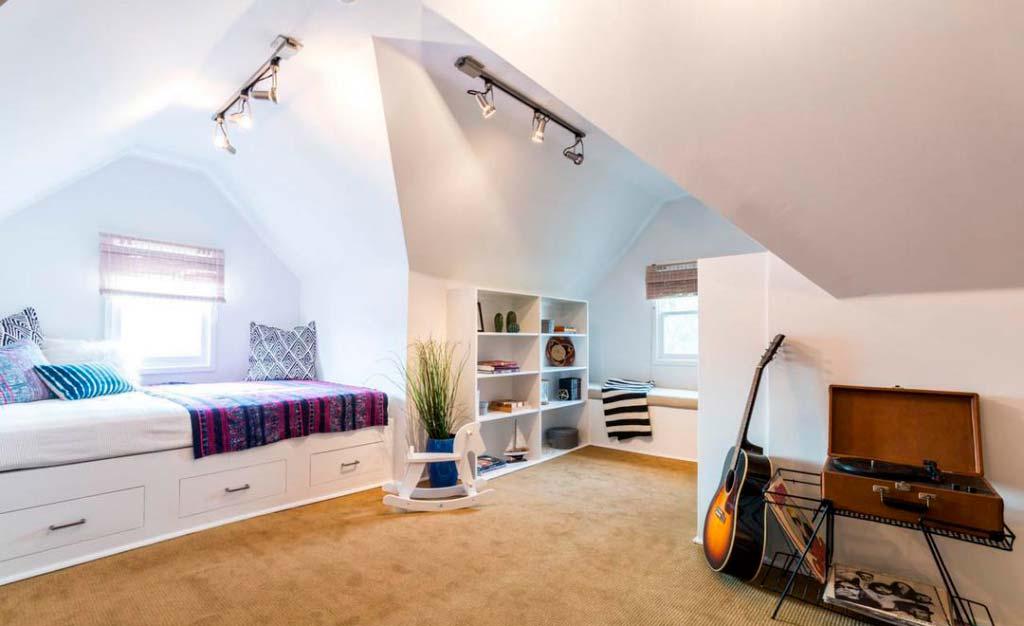 Чердачная комната в доме