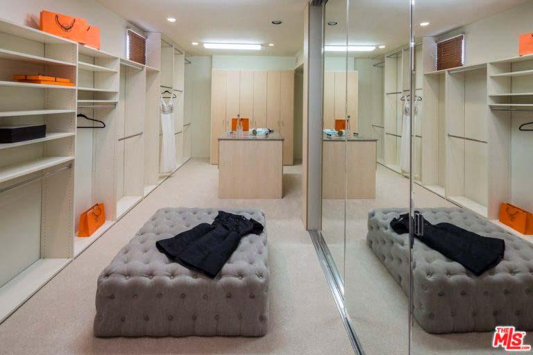 Домашний гардероб Тайры Бэнкс