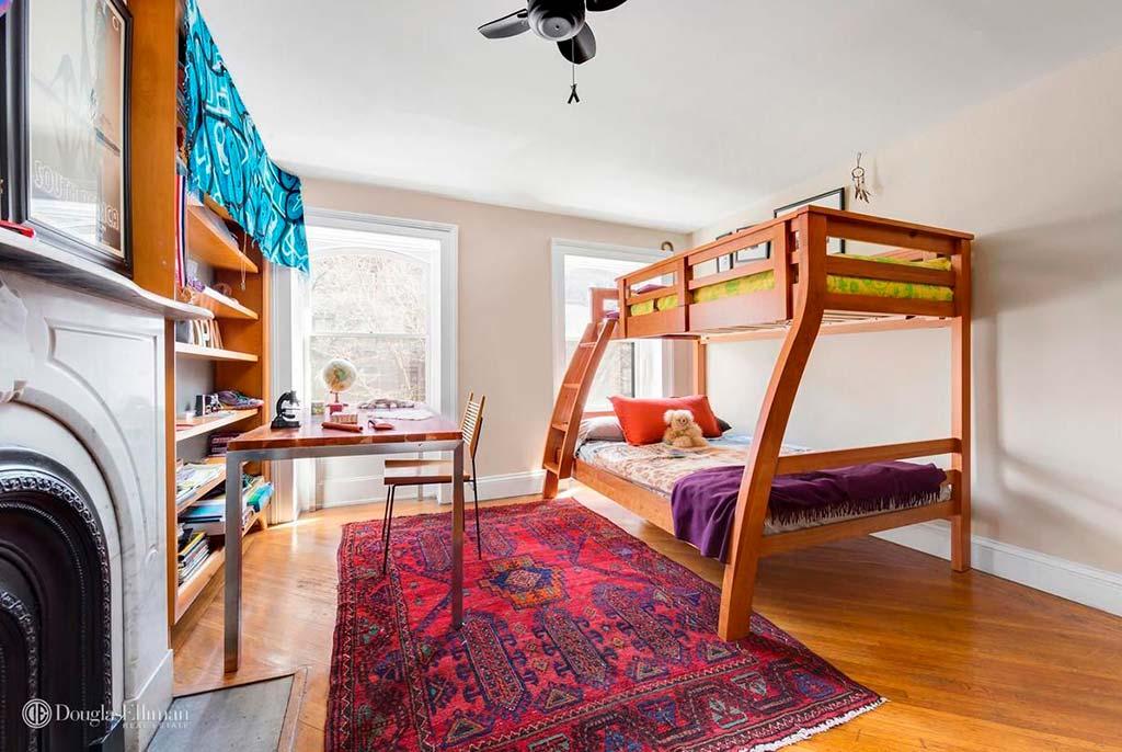 Квартира с четырьмя спальнями в Бруклине