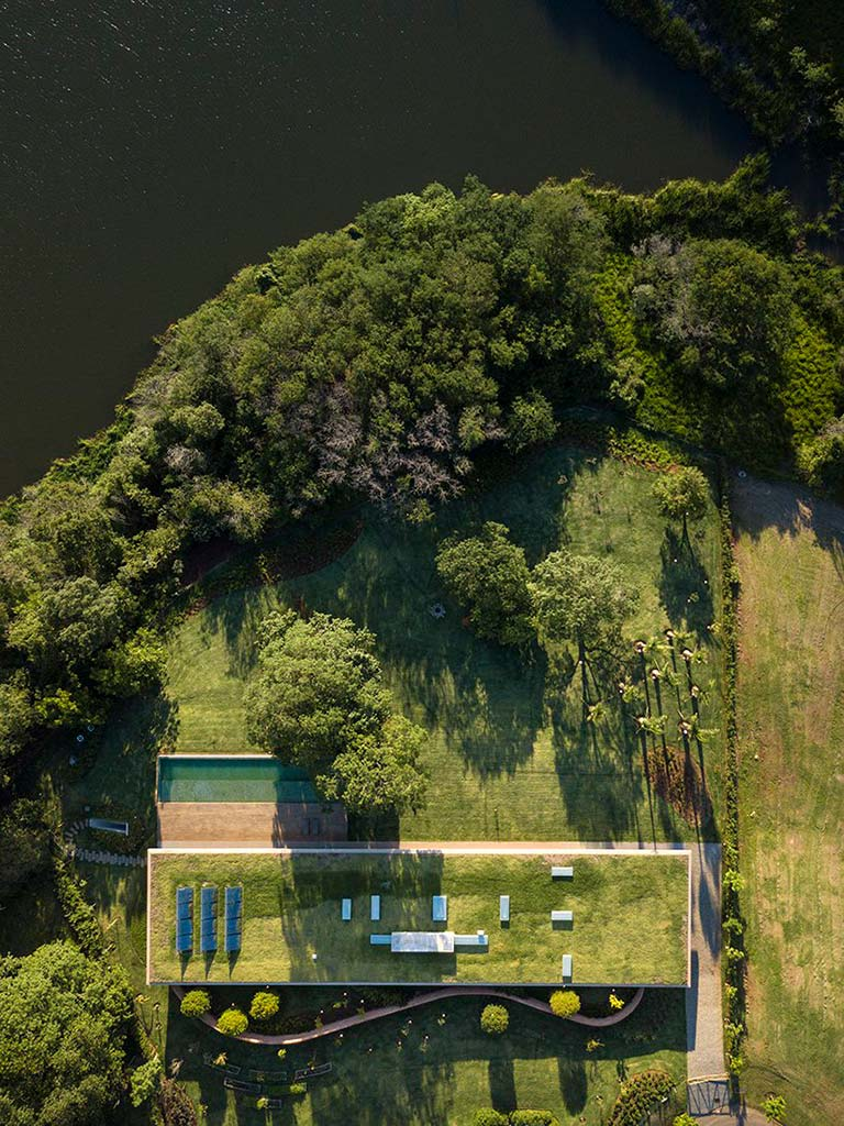 Вилла у озера в Бразилии. Проект Studio MK27
