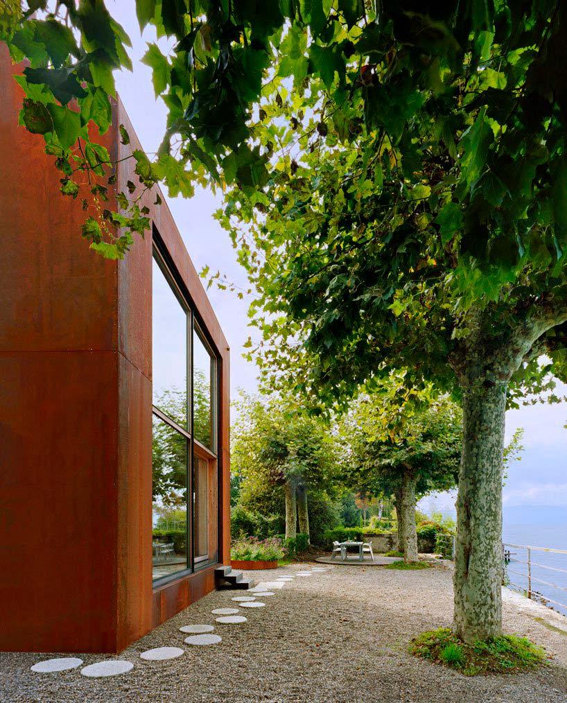 Дом на берегу Женевского озера во Франции