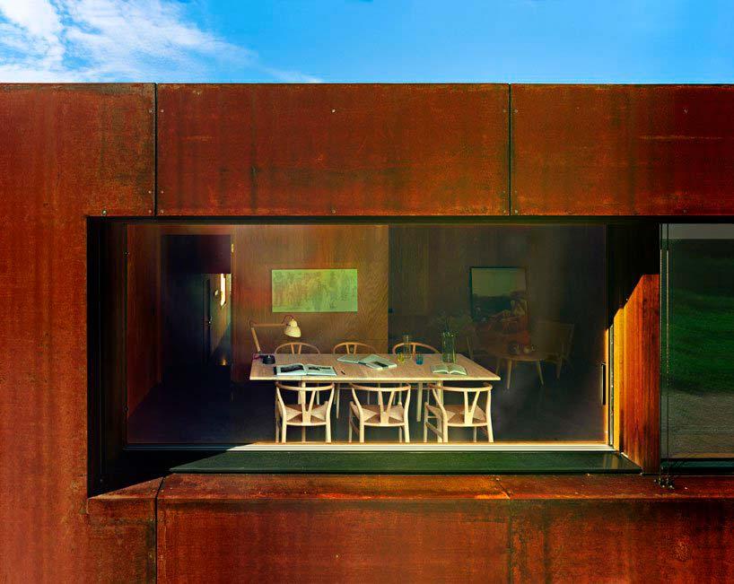 Панорамное окно в доме