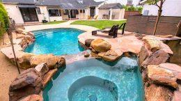Актер Джексон Рэтбоун продал дом в Калифорнии | фото, цена
