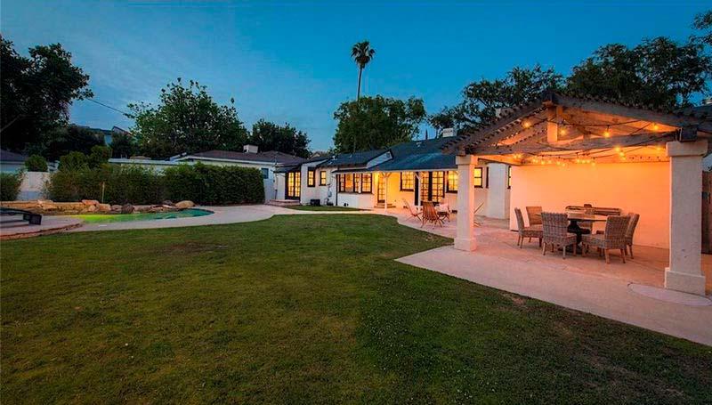 Дом с тремя спальнями в Лос-Анджелесе