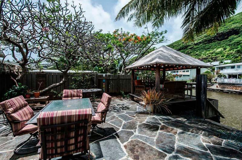 Дом с причалом и беседкой на Гавайях