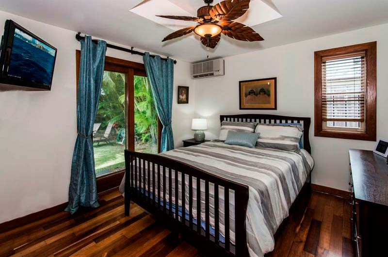 Одна из трех спален в бунгало