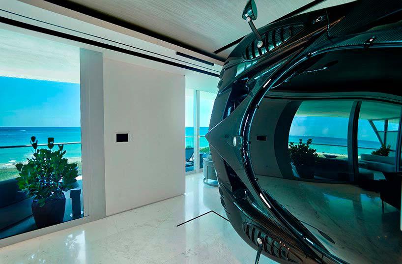 Pagani Zonda R за $1,5 млн в интерьере квартиры