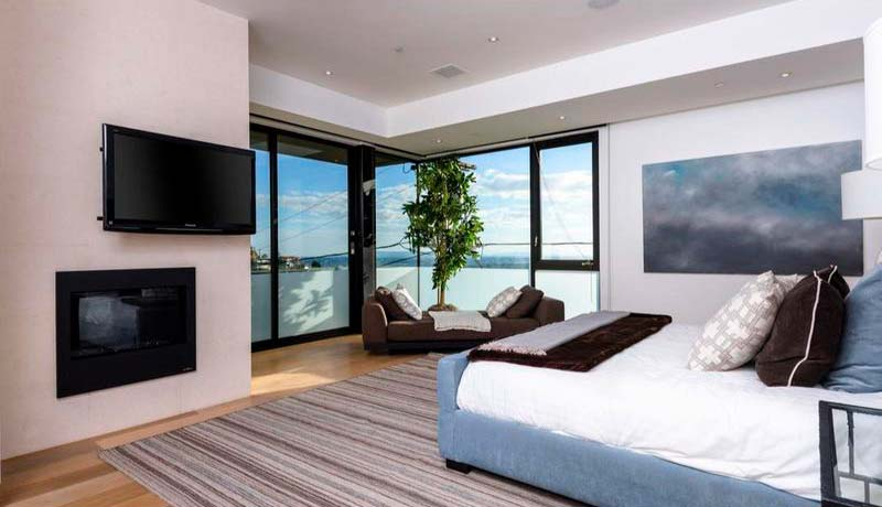 Спальня в доме Дольфа Лунгрена
