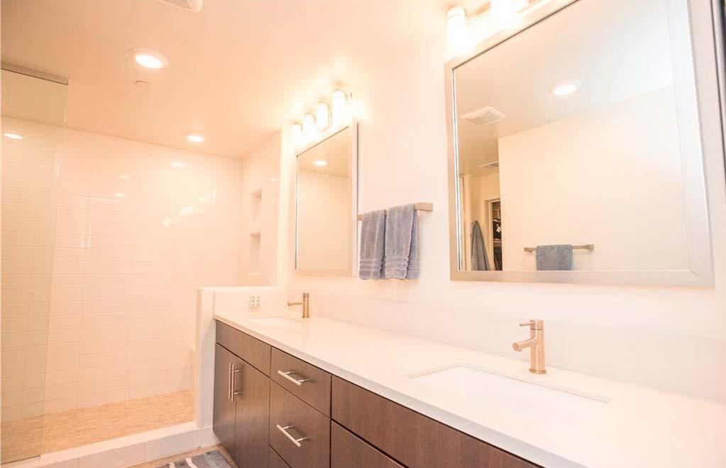 Ванная комната в доме знаменитости