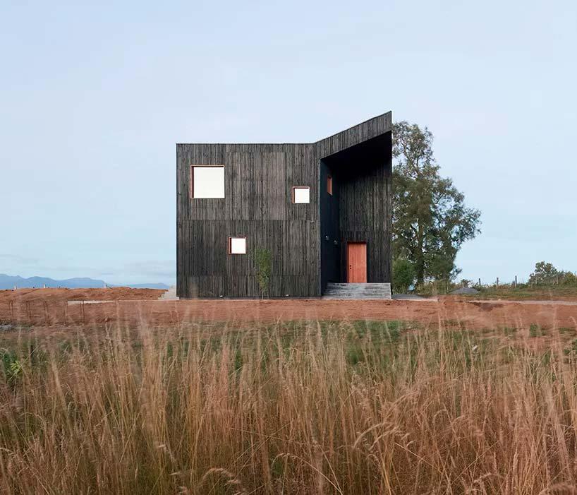 Минималистский дом Casa Hualle в Чили от Ampuero Yutronic